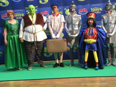Shrek, Fiona, Pinocchio, knienrutscher soldaten