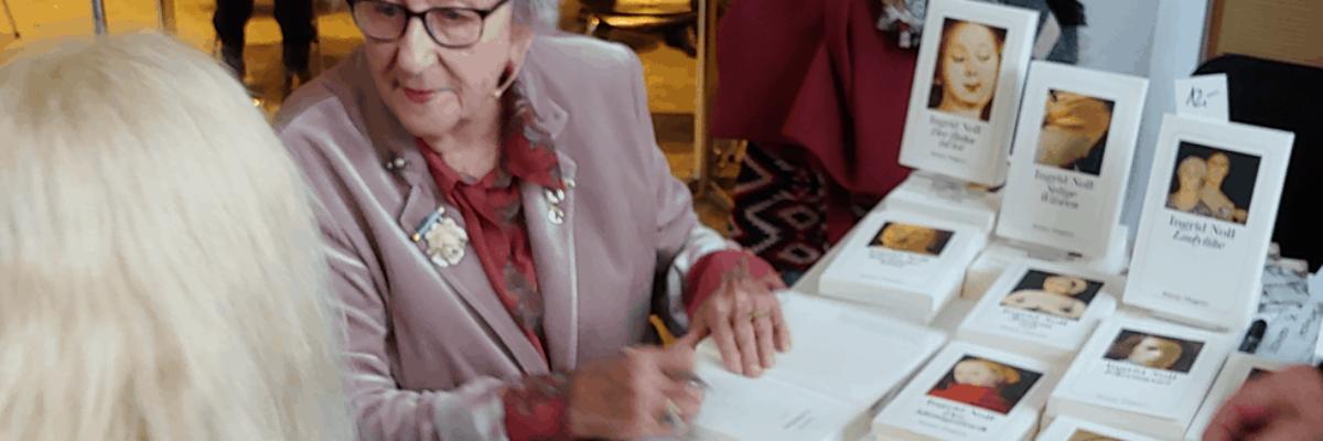 "Ingrid Noll liest aus ""Goldschatz"""