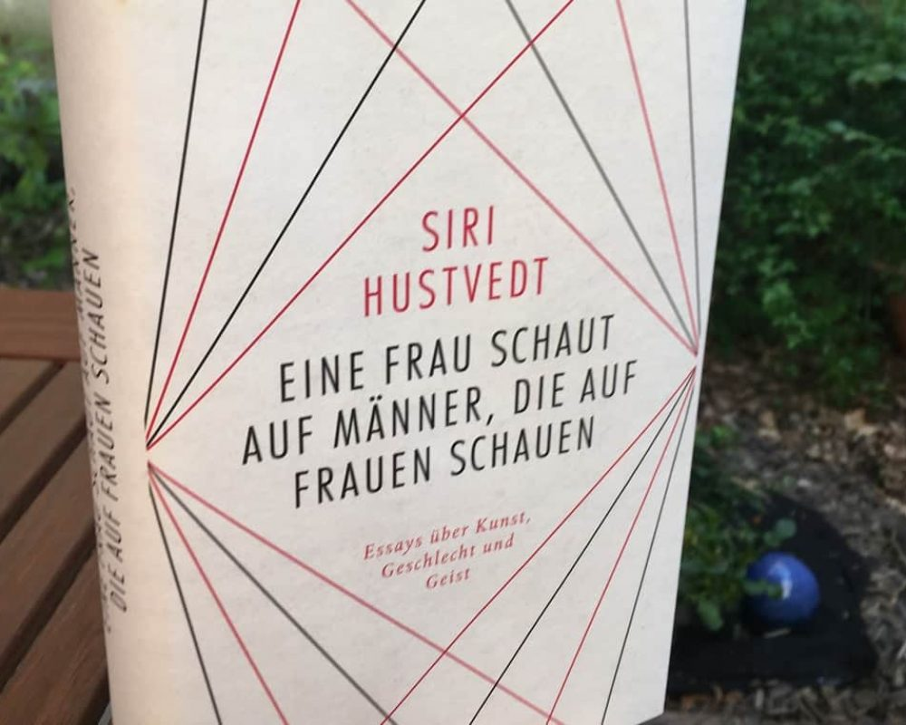 Eine Frau schaut auf Männer Siri Hustvedt und Paul Auster